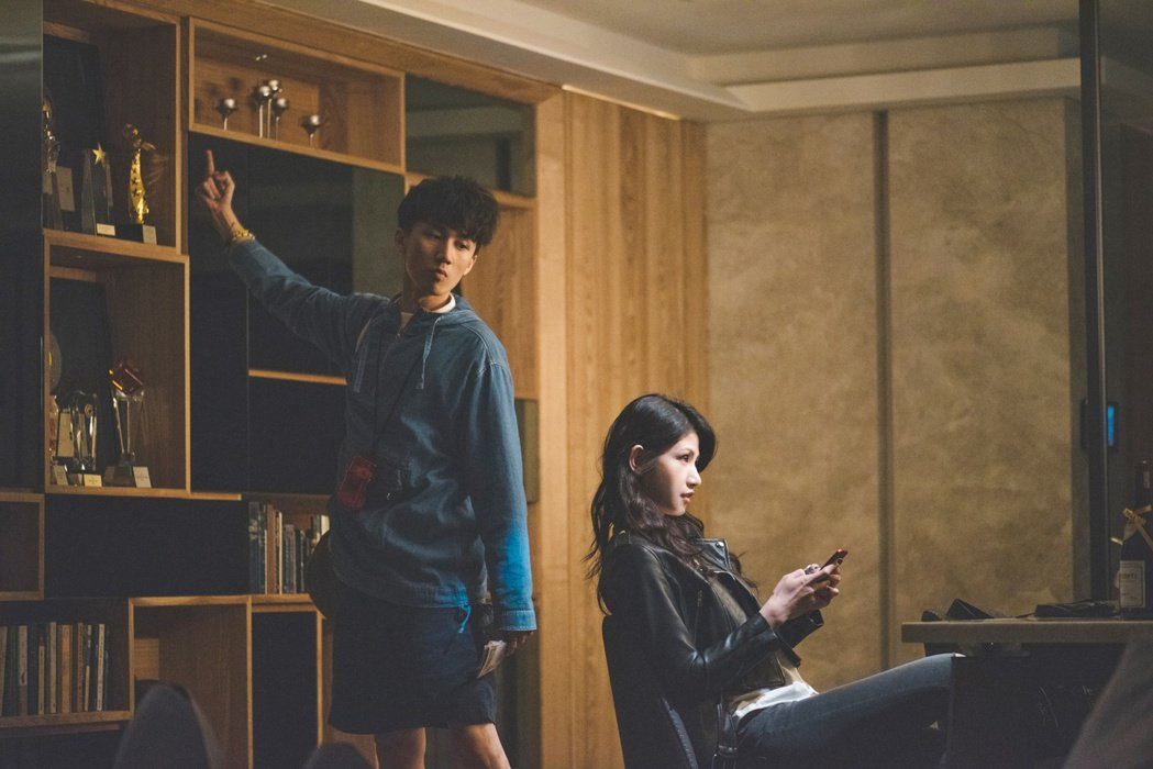 「破處」演員左為吳肇軒,右為李千那。圖/双喜提供