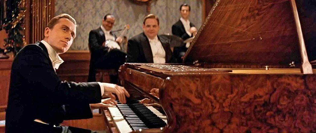 「海上鋼琴師」是今年舊片重映熱中唯一票房比首度在台上映更出色的代表。圖/摘自im...