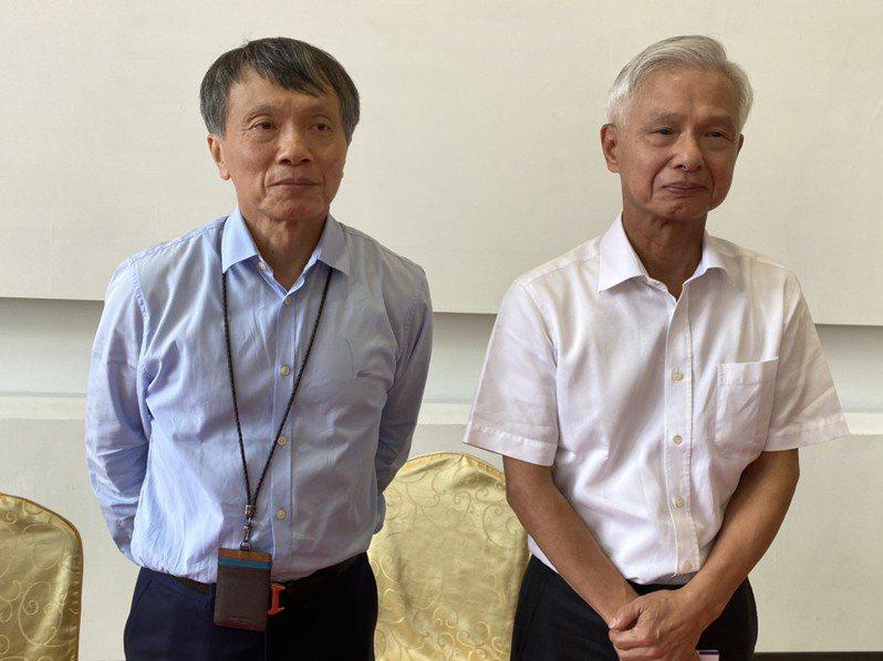 健策董事長趙宗信(左)、總經理趙永昌(右)。 記者吳凱中/攝影