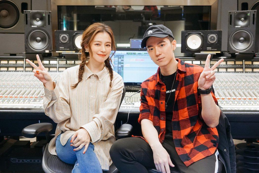 蔣卓嘉(右)新歌邀來徐若瑄跨刀填詞。圖/索尼提供
