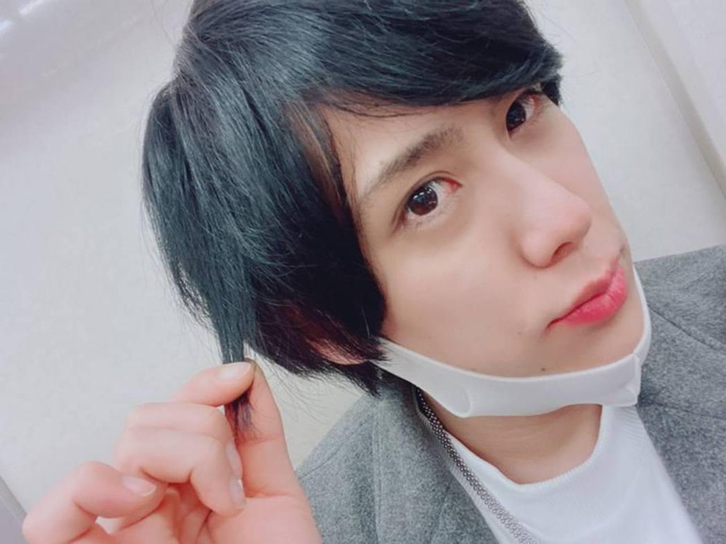 現年26歲的山內大輔為日本男演員,出演舞台劇等。(山內大輔Twitter)