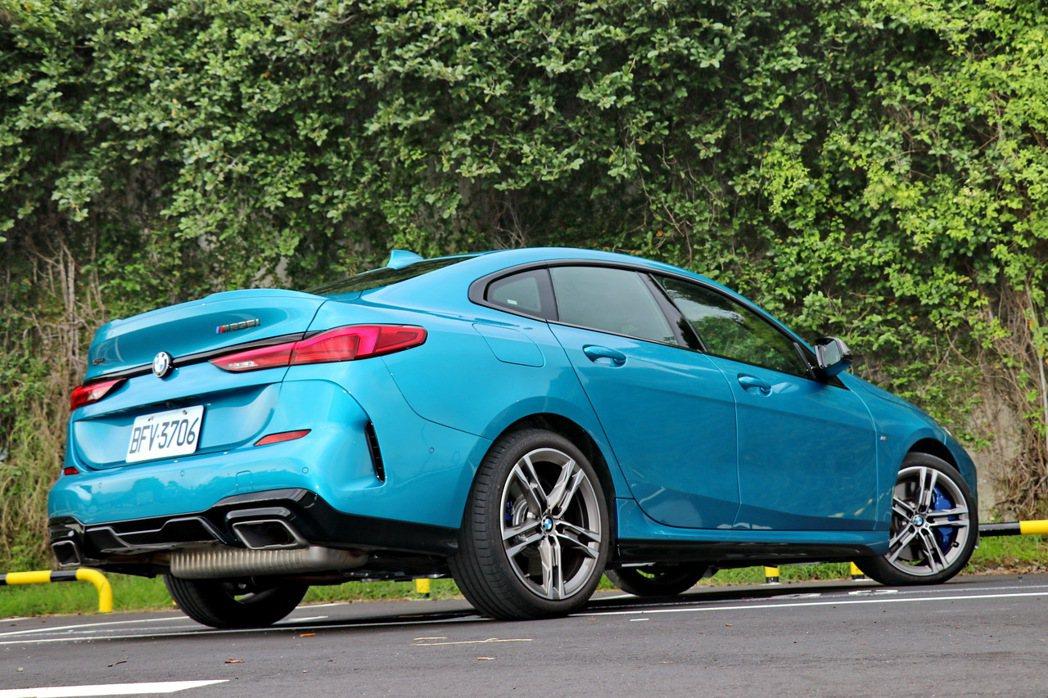 2系列Gran Coupe除了是一台流線好看又有進階操駕動力的四門跑車外,又能給...