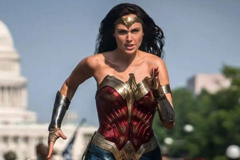 受到新冠肺炎影響,華納兄弟影業將於暑假上映的2部大片「天能」、「神力女超人1984」宣布延期,「天能」將從7月17日延後到7月31日,改成到10年前「全面啟動」的上映日期,而「神力女超人1984」則...