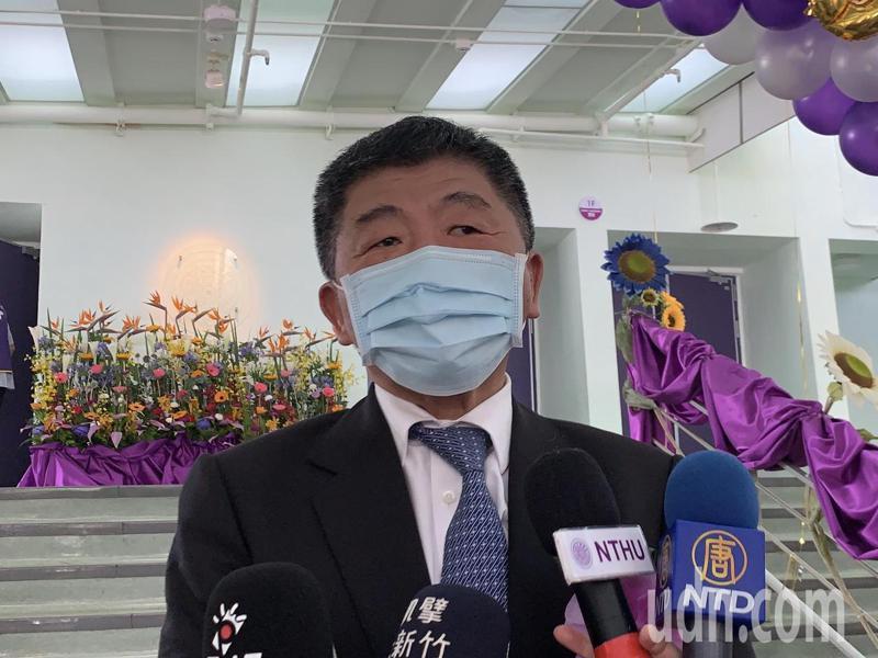 衛福部長陳時中今天上午受邀出席清華大學畢業典禮,面對媒體詢問醫材問題,陳時中僅表示下午會議後再答覆。記者巫鴻瑋/攝影