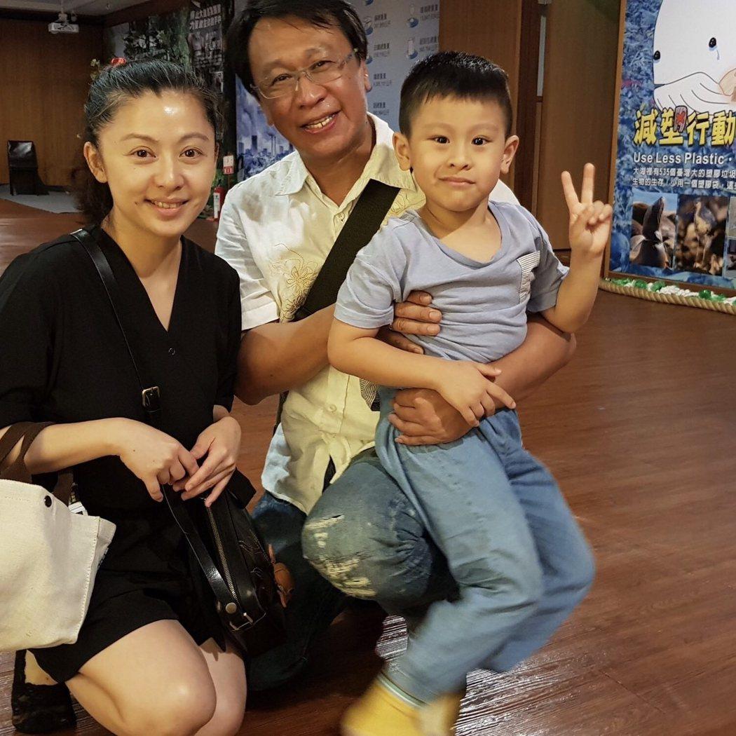 游安順帶老婆兒子出席新戲「我在你心裡」見面會。圖/大愛台提供