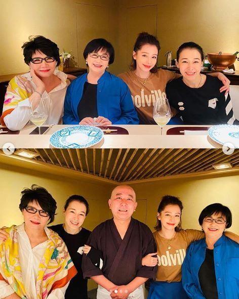 徐若瑄與媽媽同框。圖/摘自IG