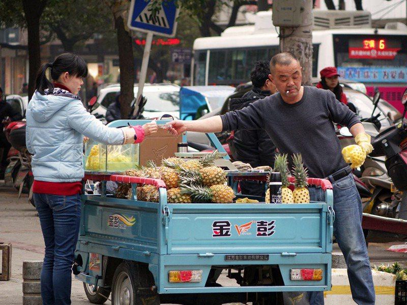 中國已普遍採用電子支付,少用現鈔交易。 圖/pixabay