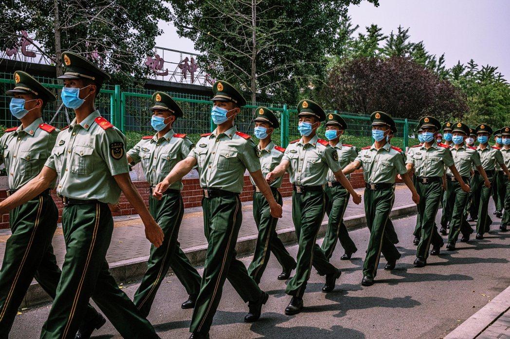 「北京已進入非常時期。」北京市委書記蔡奇,13日如此表示。不過重啟防疫的非常時期...