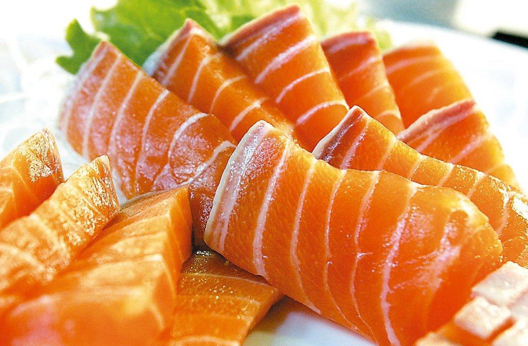 北京新冠肺炎疫情再起,外傳來源可能來自國外進口的生鮭魚,但台大小兒部主任、感染科...