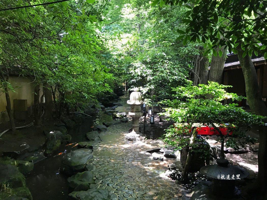 午後保持一份淡泊的寧靜, 很喜歡日式庭園那種平和的美感, 一種特別的氣息,樸素單純。