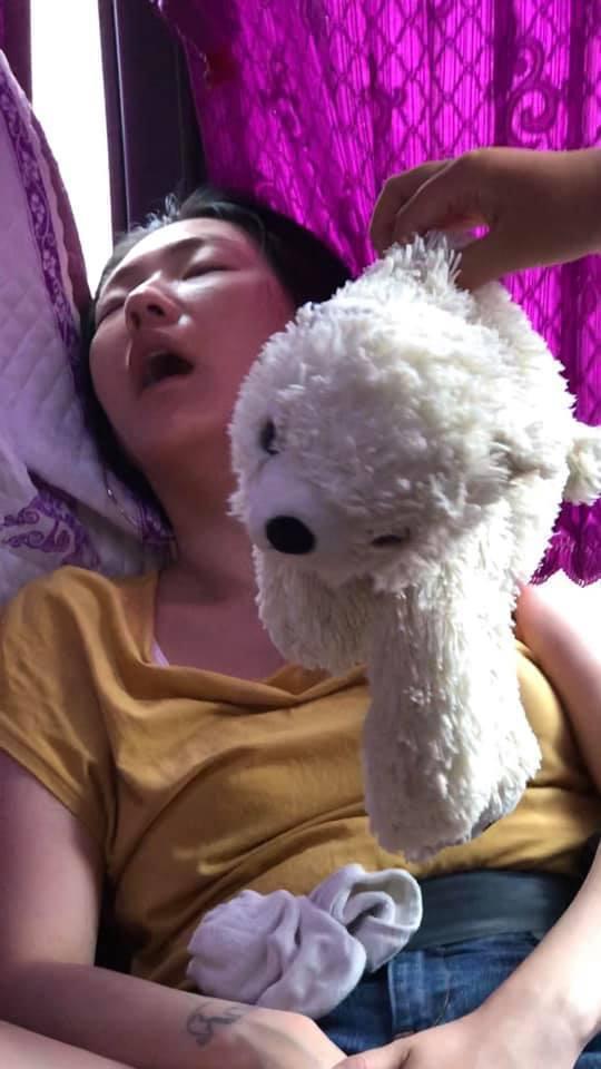 小S大女兒Po出她睡覺的模樣祝賀生日。圖/摘自臉書