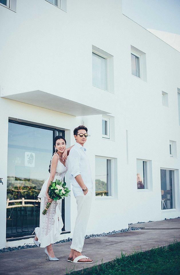Darren(右)與老婆Vivi。圖/摘自臉書