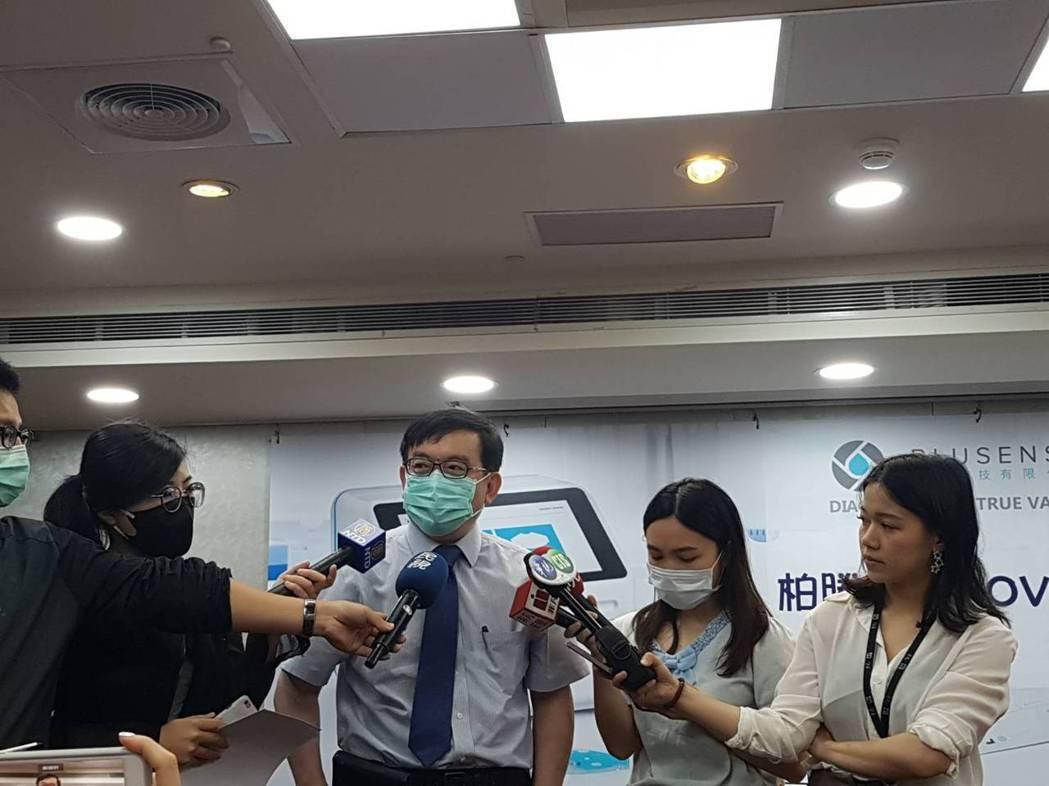 黃立民表示,抗體檢測搭配PCR可更精準調整邊境防疫策略。記者楊雅棠/攝影
