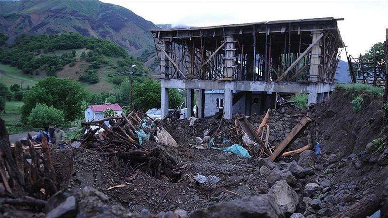 土耳其東部賓戈省(Bingol)發生規模5.7地震,震源深度僅5公里,已知造成1人喪生、18人受傷。圖/安納杜魯新聞社