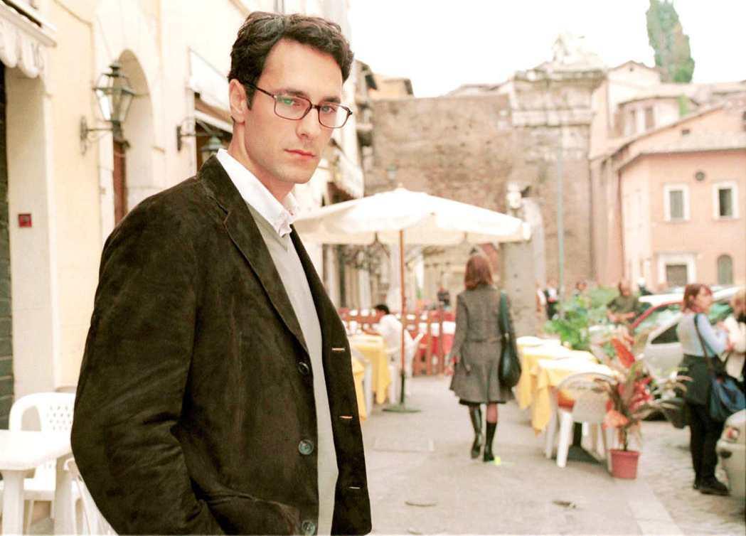 雷歐波瓦以「外慾」奠定「義大利情聖」形象,吸引好萊塢登門求合作。圖/海鵬提供