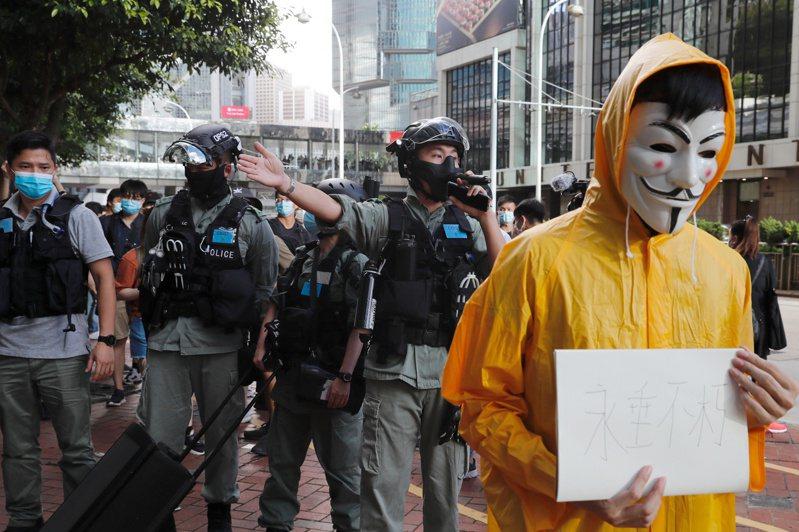香港陷入嚴重政經危機,富人紛紛匯出資產。路透