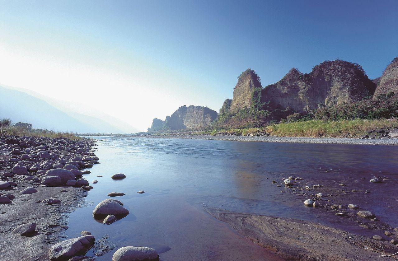 六龜十八羅漢山及荖濃溪列為國土保育區。 圖/市府都發局提供