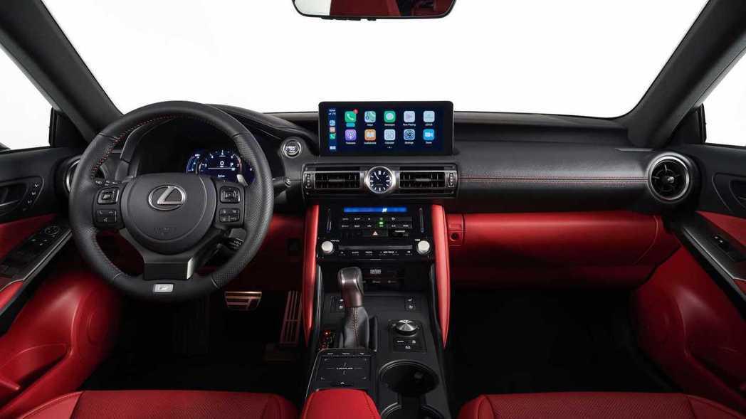 內裝鋪陳基本上沒有什麼太大變動。 摘自Lexus