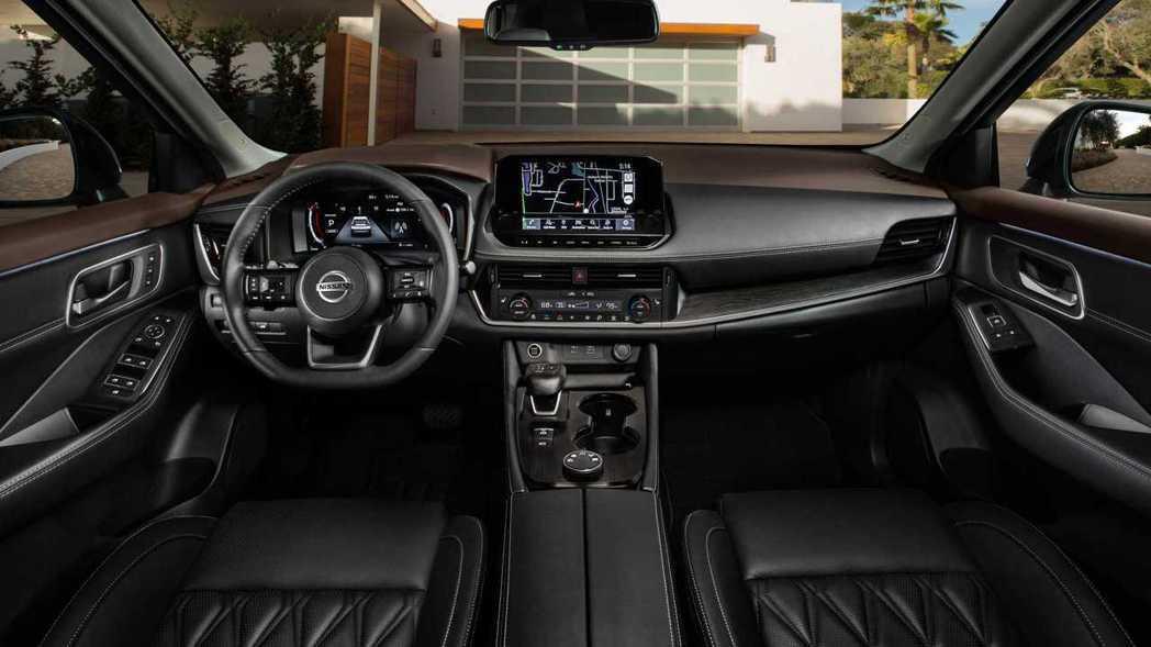 Nissan Rogue除了12.3吋全數位虛擬儀表板、9.0吋中央觸控螢幕,還...