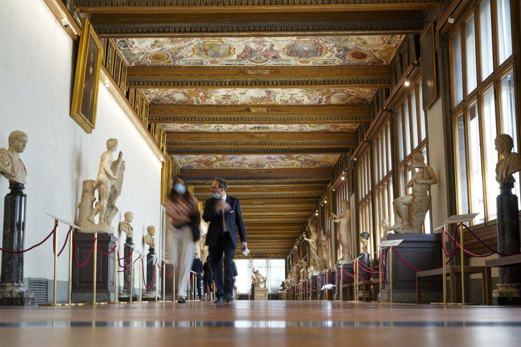 在佛羅倫斯這座以保存文藝復興時期文物為盛名的城市裡,古典又現代的對話在城裡蓬勃發...