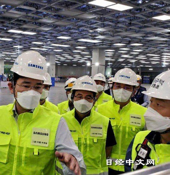 三星電子副會長李在鎔在中國西安的半導體記憶體工廠(5月18日,圖片由三星電子提供...