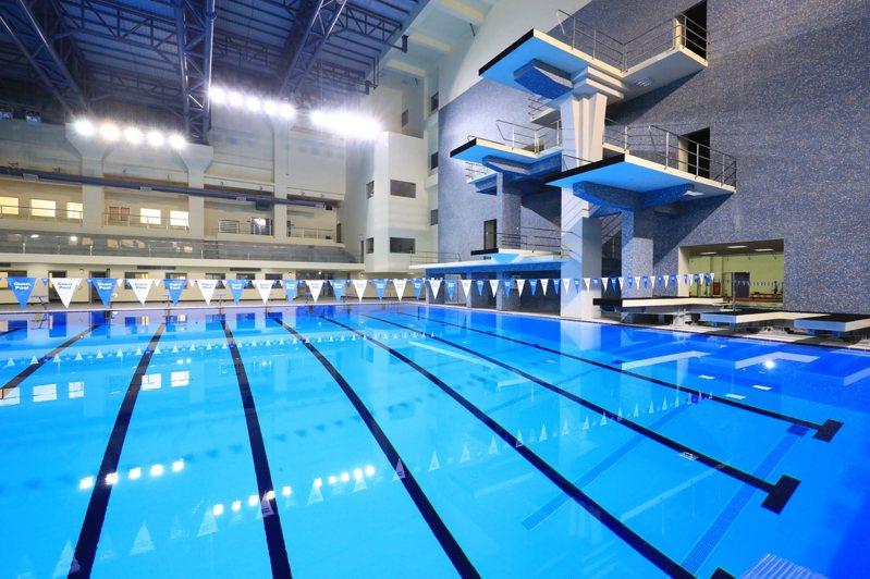 北區國民運動中心泳池公告漲價,引發民怨,市長盧秀燕表示不會同意漲價。圖/台中市運動局提供