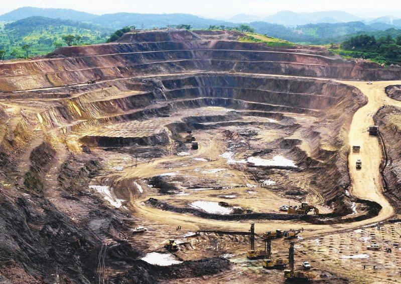 剛果鈷礦礦場。(路透)