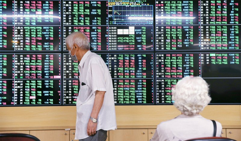 台股今天盤中震盪翻黑,跌破11500點整數關卡。聯合報系資料照/記者曾原信攝影