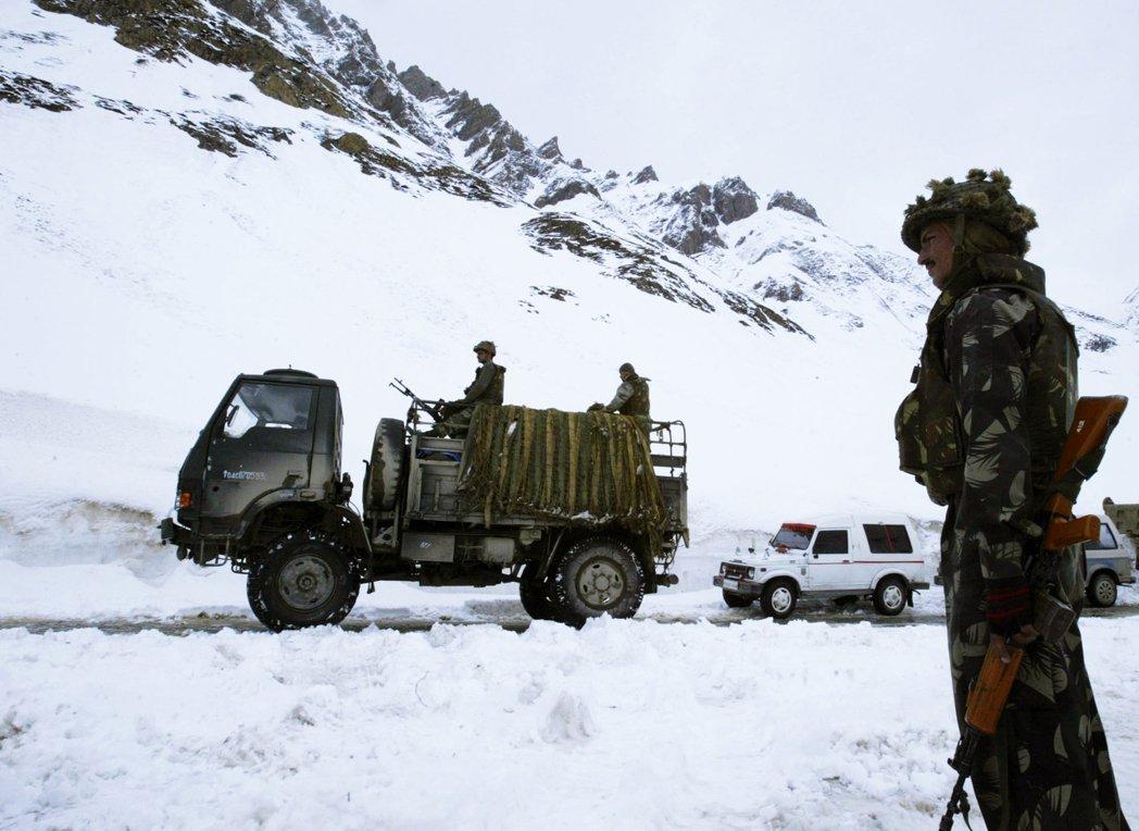 喜馬拉雅山西南側,中國與印度爭議主權的邊境地帶——加勒萬河谷(Galwan Va...
