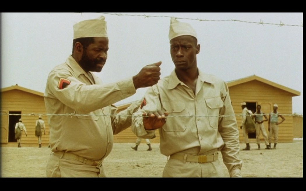 《蒂亞羅伊軍營》為1988年的塞內加爾電影,以1944年11月30日法國西非兵團...