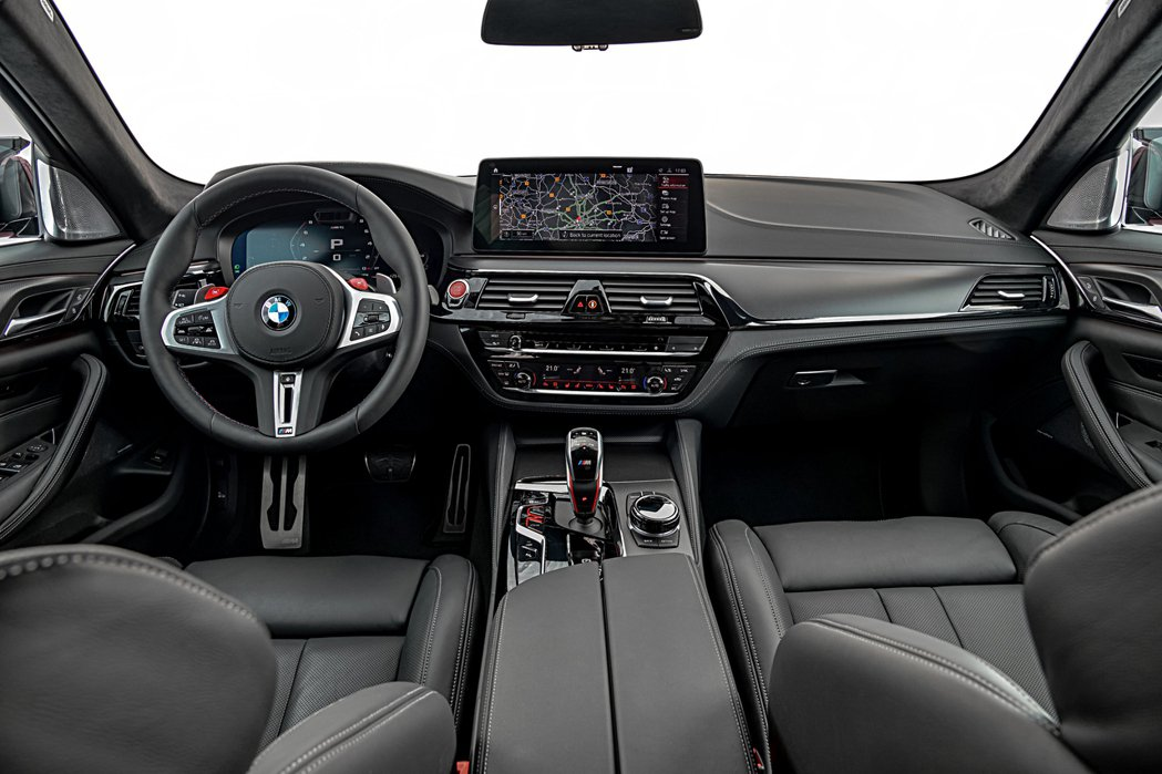 小改款BMW M5內裝格局未有變動。 摘自BMW