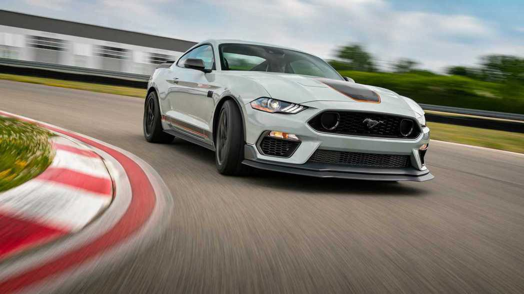 Mustang Mach 1選配Handling Package操控套件後,下壓...