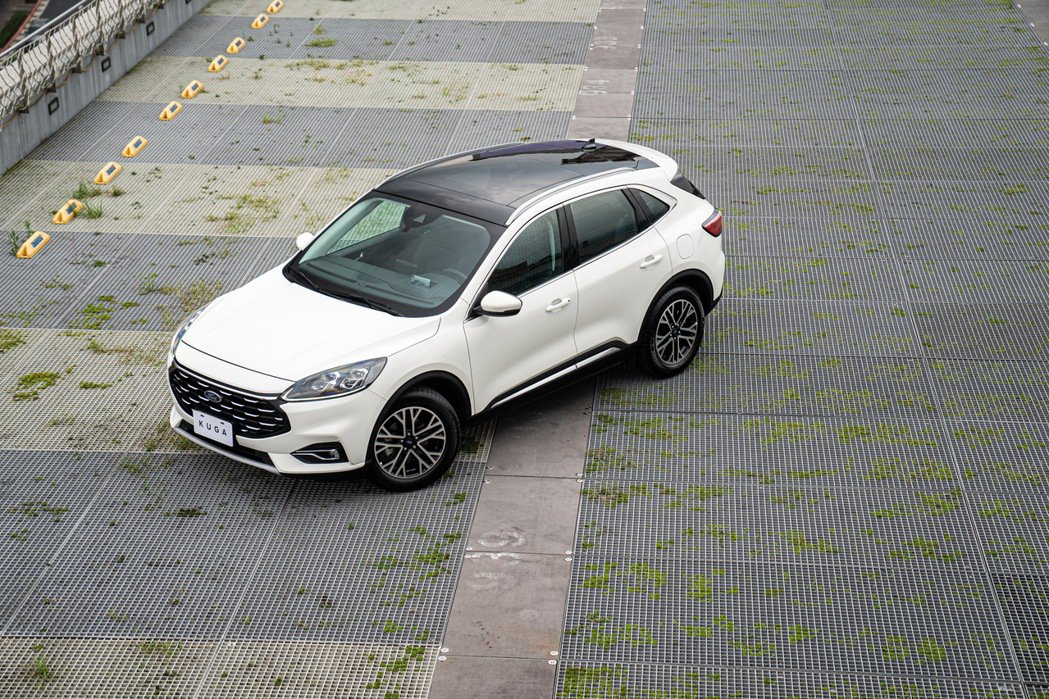 福特主管也希望過往單月銷售從未破千輛的Kuga,讓在第三代車型的加持下,成為品牌...