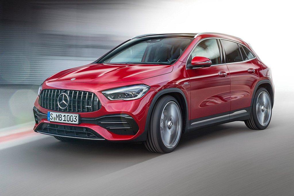 Mercedes-AMG GLA 35 4MATIC搭載2.0L直列四缸渦輪增壓...