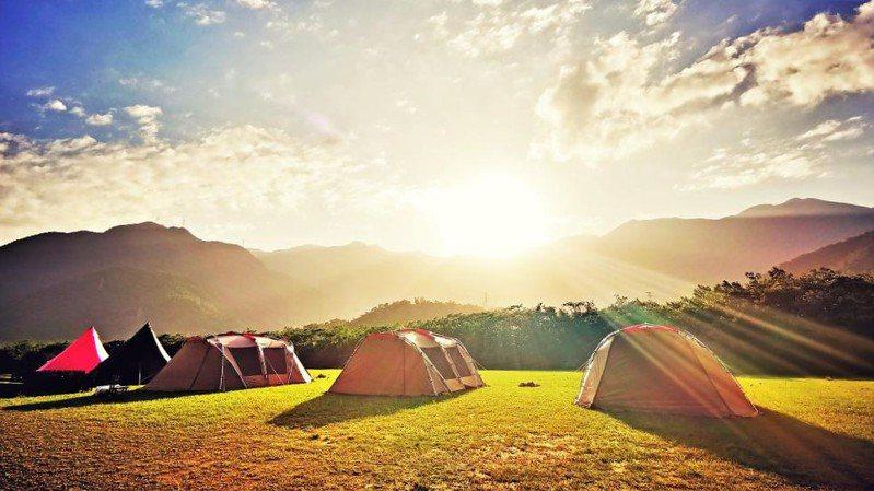 ▲暑假親子旅遊活動推薦-宜蘭東澳露營。(圖/Tripbaa趣吧!達人帶路)