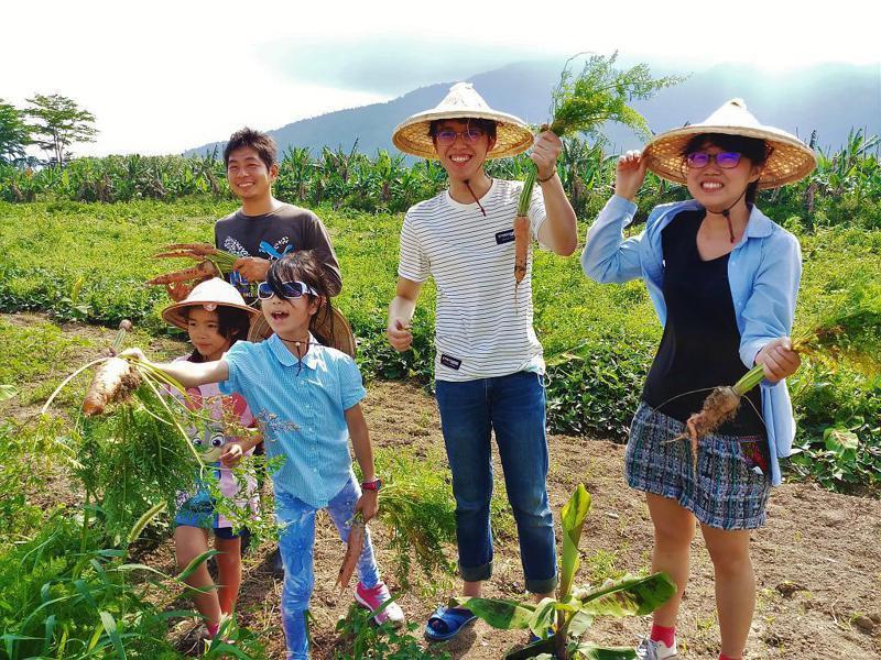 ▲暑假親子旅遊活動推薦-台東鹿野農作體驗。(圖/Tripbaa趣吧!達人帶路)