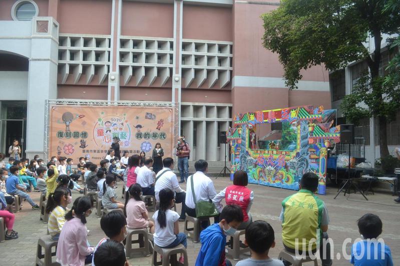 台南市教育局擴大學校不適任人員篩檢對象,阻絕不適任教育人員進入校園。記者鄭惠仁/攝影