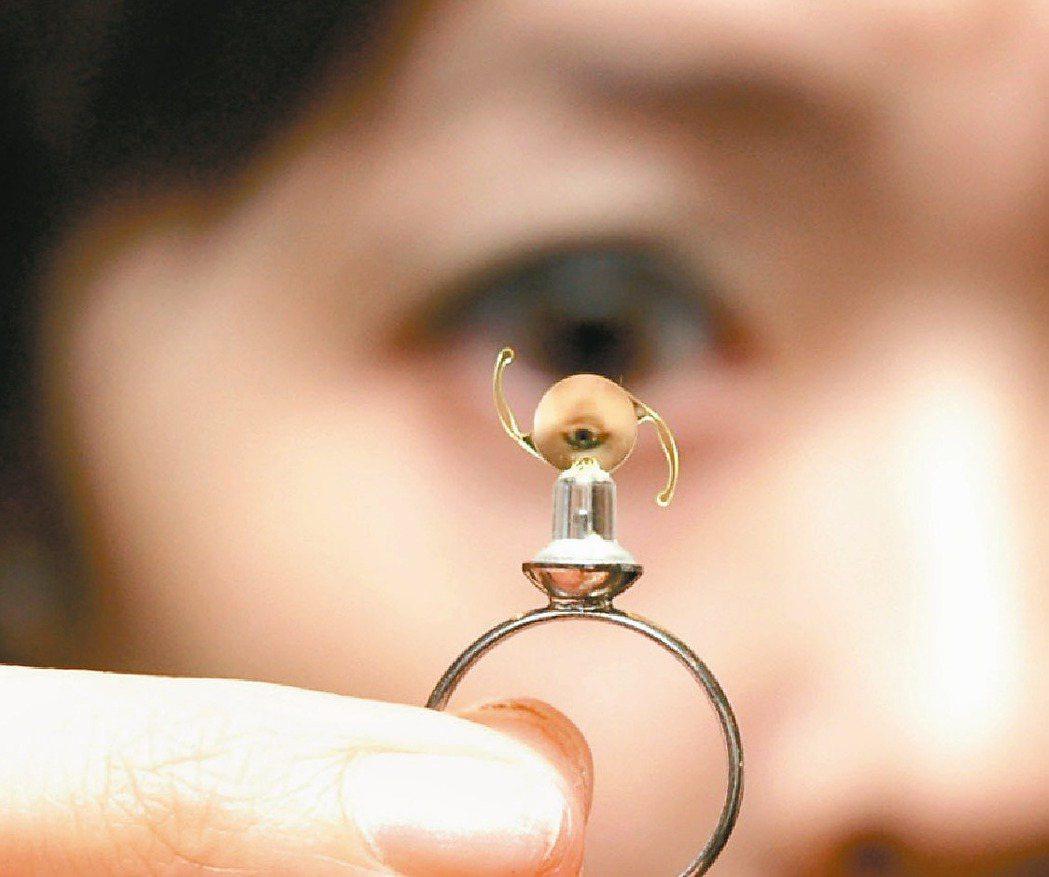 醫療技術進步,有更多精密的儀器,可以幫助醫生評估白內障對視力的影響。 聯合報系資...