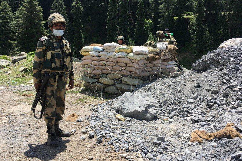 駐守在中印邊界的印度邊防安全部隊。法新社