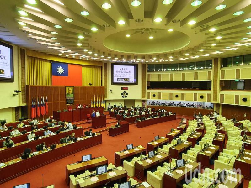 台北市議會審查今年度追加減預算。記者楊正海/攝影