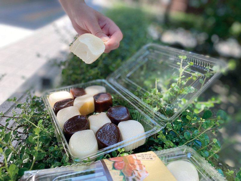 「中崙粿仔伯」干貝麻糬單盒15入麻糬150元。圖/環球購物中心提供