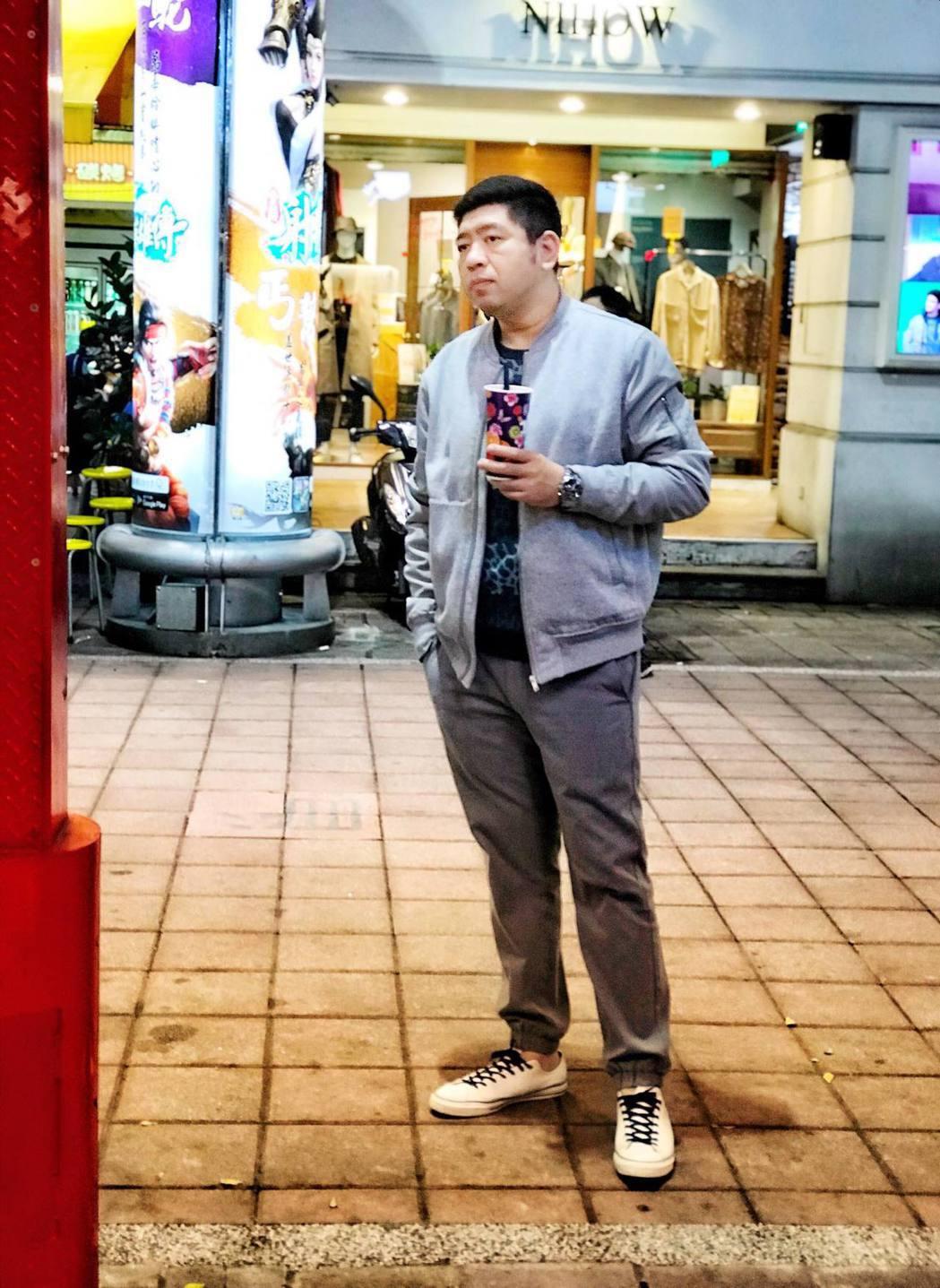 NONO開了一間富含詩意的《花羨沐嵐》手搖飲料店。 圖/擷自NONO臉書