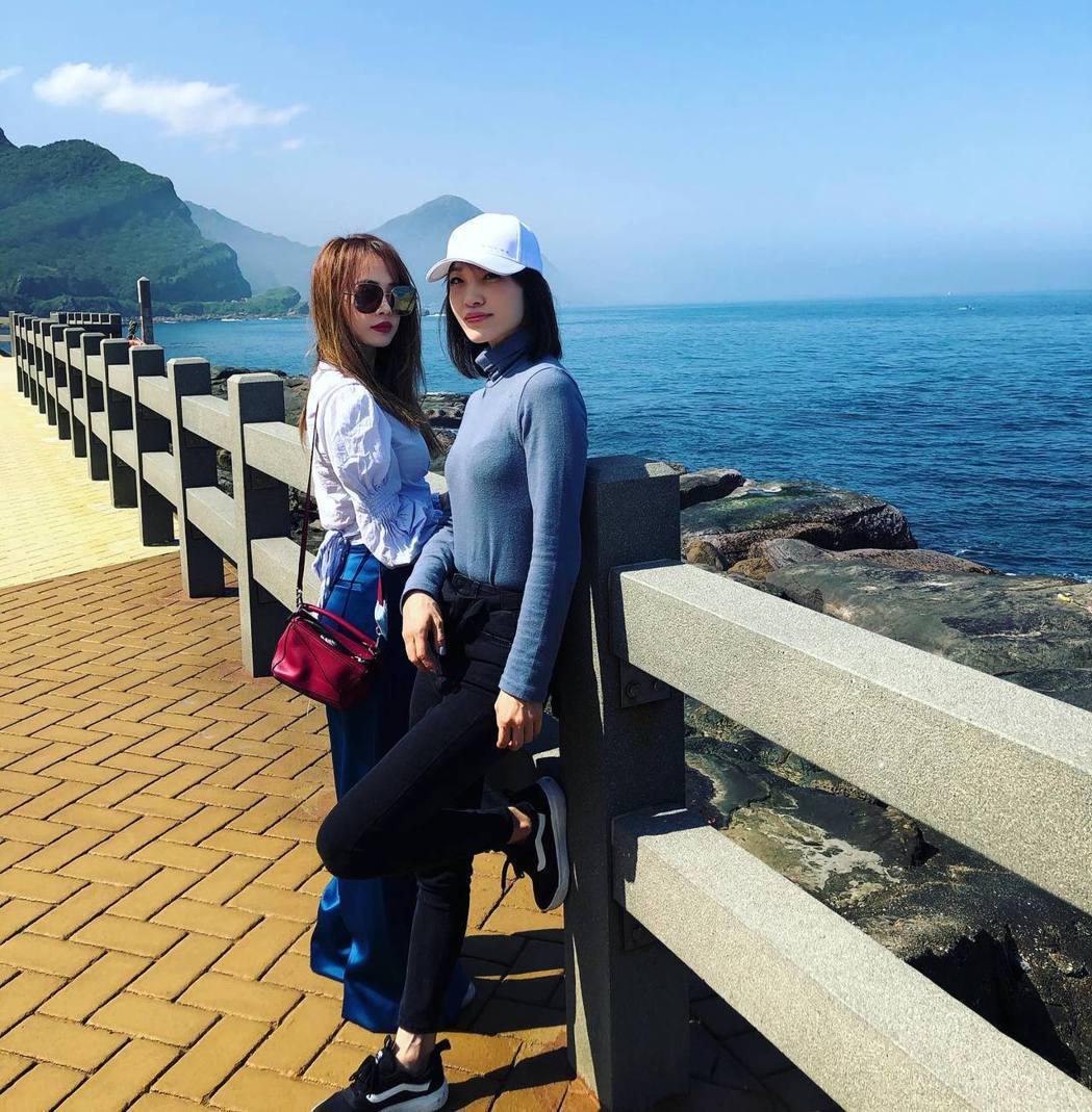 蔡依林與姊姊蔡旻紋。 圖/擷自蔡旻紋臉書