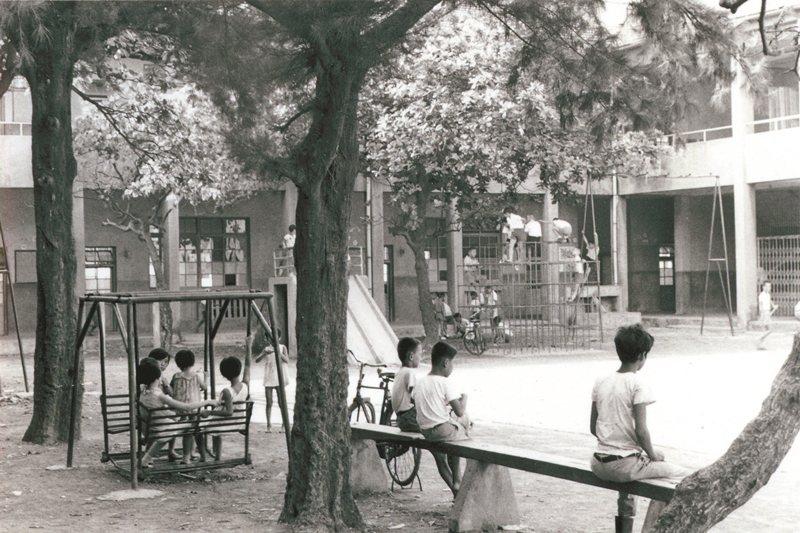 圖為高雄鹽埕國小,日治時期稱為堀江小學校,提供日本學童就讀,也收少數台灣仕紳名流的孩子。 圖/徐宗懋圖文館提供
