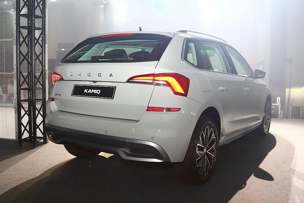 車身兩側以及車尾也都搭配下護板做為防護。 記者張振群/攝影