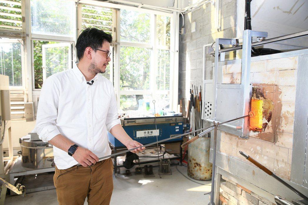 吳庭安將回收、老師傅工藝、設計,串聯成W春池計畫。記者林伯東/攝影