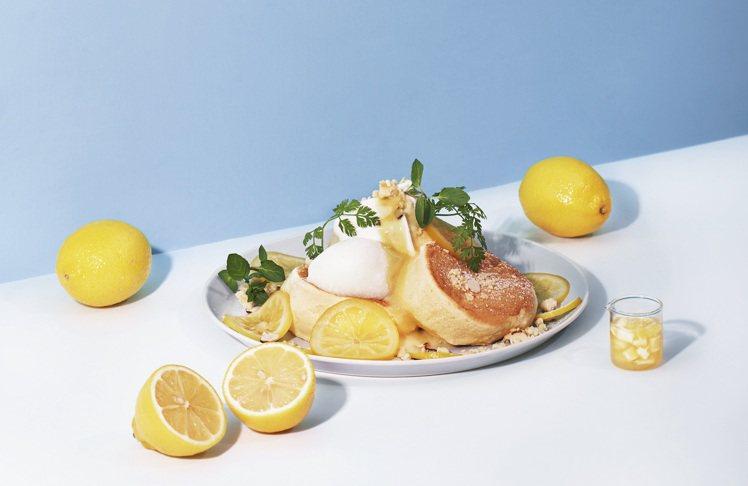 誠品生活南西FLIPPER'S期間限定奇蹟的舒芙蕾鬆餅檸檬乳酪,350元。圖/誠...