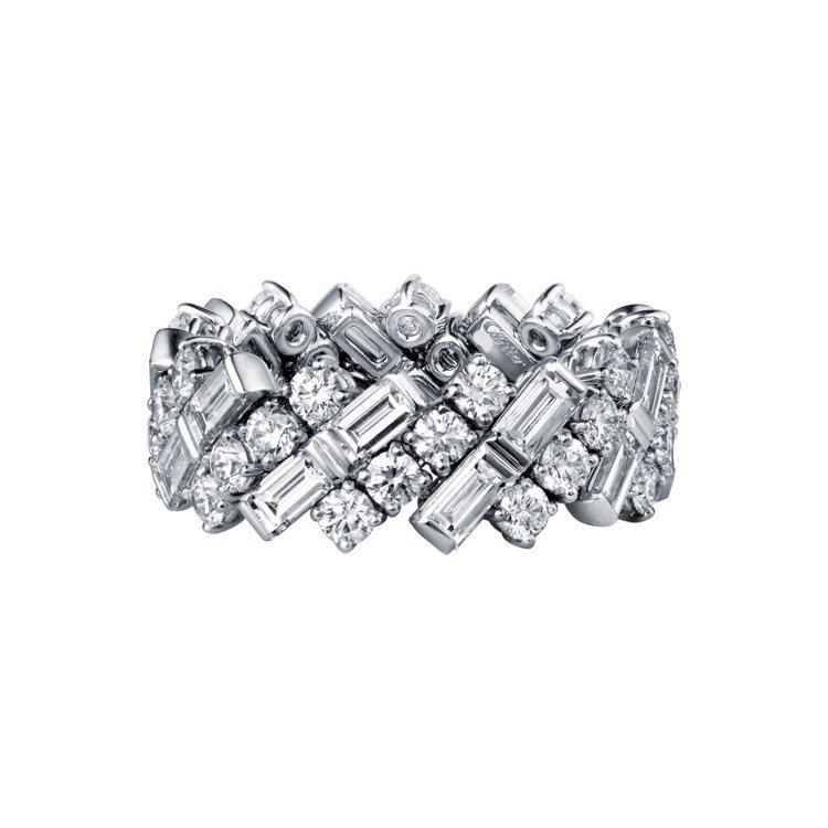 Reflection de Cartier鑽石戒指,約165萬元。圖/卡地亞提供
