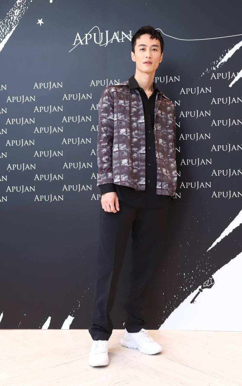 李英宏擔當APUJAN台北信義微風3樓的期間限定店一日店長。記者陳立凱/攝影