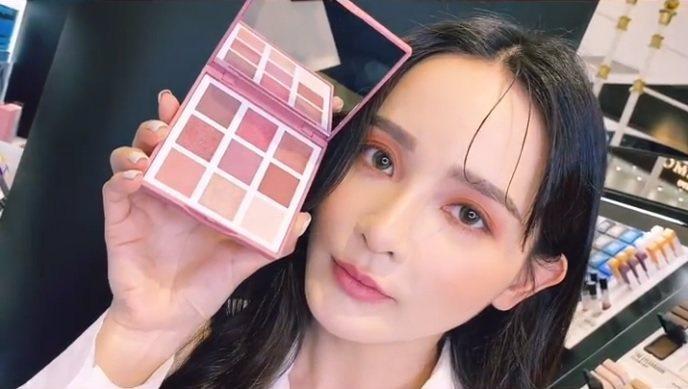 光影PLAY特調眼彩盤#Cherry鮮榨櫻桃泡泡妝容示範。記者吳曉涵/攝影